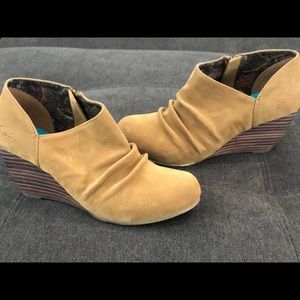 New Blowfish Baez Women's Wedge Booties